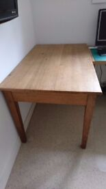 Solid Oak Table. Size 1220mm long x 750mm wide x 750mm High. In perfect condition.