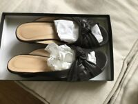 Lovely soft leather Hobbs sandles. New condition. In box. Size 6 (39) chocolate brown.