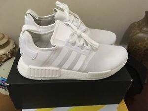 DS Adidas Triple White NMD size 11