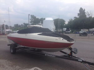 Excellent shape 2015 Stingray Bowrider and Trailmaster  trailer