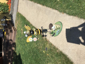 Bumble Bee Plant Holder