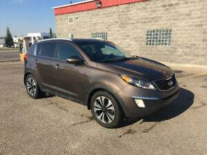 2012 Kia Sportage SX with NAVI,Leather,Clean CarProof