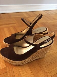 GUESS WEDGE SANDALS 7.5