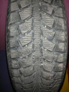 je recherche pneu 175-65-14 hiver