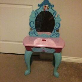 Frozen magic vanity table