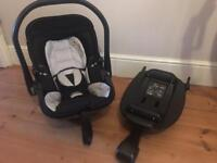 Kiddy evolution pro 2 car seat, with isofix base.