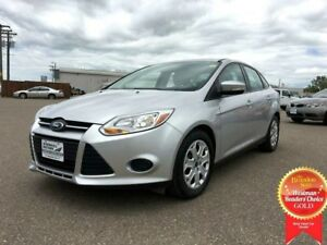2014 Ford Focus SE FWD *Heated Cloth*