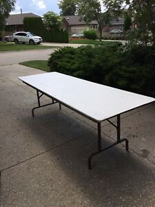 Utility Tables 8'