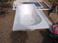LARGE WHITE BATH 90cm x 190cm FREE TO COLLECT, some scratches but useable and FREE
