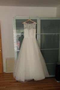 Beautiful Wedding Dress - New Robe de mariée Nouvelle