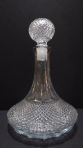 VINTAGE CUT GLASS DECANTER WITH 4 GLASSES -- MINT COND.