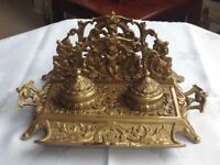 ORNATE SOLID BRASS DESK PEN STAND WITH LIDDED INKWELLS