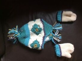 Next Girls knitted Hat & Mitts - Age 12-24months - Excellent Condition