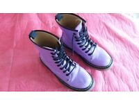 DR. MARTENS STYLED LILAC COLOURED BOOTS