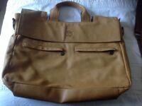 Gorgeous Timberland leather bag Unisex