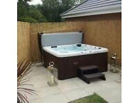 7 seater hot tub / jacuzzi