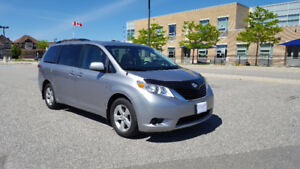Toyota Sienna 2011-LE Minivan with Winter Tires & Snow Mates!!