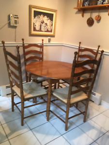 Rock Maple Kitchen Table with 4 chairs