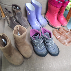 Girls rain & winter boots & summer jellies  size 9