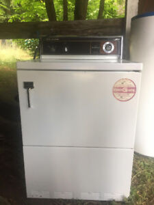 Dryer and a Stove for sale in Christina Lake