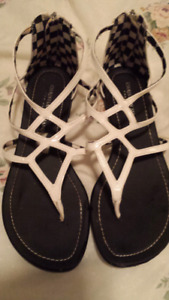 Ladies size 7 sandals
