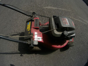 toro lawnmower  / toudeuse toro
