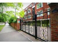 2 bedroom flat in De'parys Avenue, Bedford, Bedford