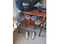 Electric drum kit like new used once