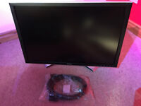 "Dell 2407 24"" Full HD 1920 x 1200 Monitor With Stand In Brand New Condition"