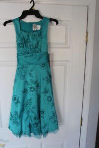 Girls turquoise formal dress in size 14 *NEW still has tags!