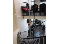 *GLASS front salon shop space to rent EXCELLENT locat all bills incl* Aesthetician beautician office