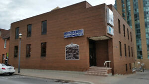 BARRIE ---  89 Collier Street Barrie - Office for rent