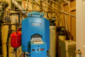 Buderus Oil Boiler, Hot Water Tank and Controller