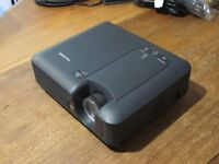 Viewsonic Digital Projector 2500 lumens in excellent condition and little used. Original packing.