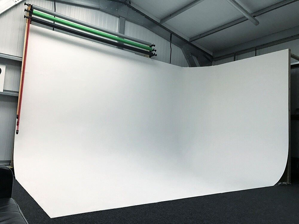 Photography & Film Studio equipped with Infinity Cove for Hire