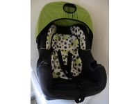 Baby car seat £5 collection from Shepshed.