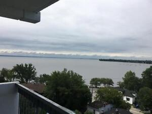 LARGE 4 1/2 FOR RENT IN POINTE-CLAIRE ON THE LAKESHORE