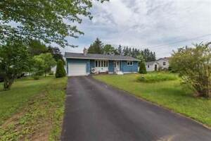 1073 Nelson Cres