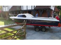 18ft Boat / Cruiser / Fisher - 4stroke Honda Outboard & Trailer, Ready To Sail!