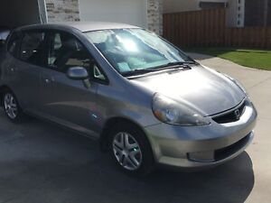 2008 Honda Fit low kms new safety runs great $4000  firm
