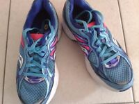 Ladies Saucony Guide Size 5