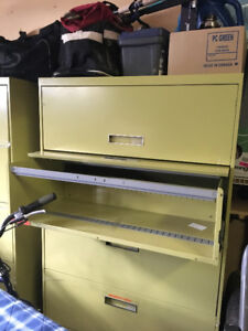 File cabinet lateral