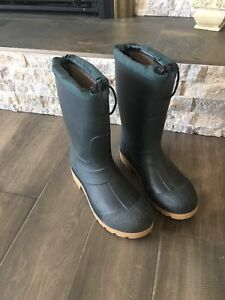 Russell Insulated Rubber Boots