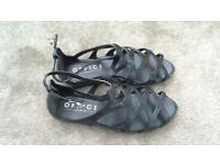 New office sandals size 6