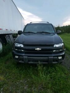 Black Chevrolet Trailblazer, 2002