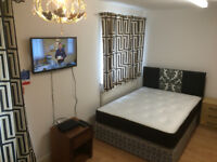 ENSUITE DOUBLE ROOMS IN HAYES UB4 9DD