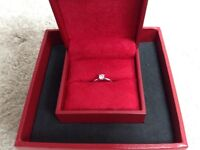 Solitaire platinum ring
