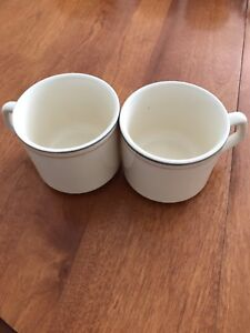 Set of 2 Mugs - Gray and Red Lines