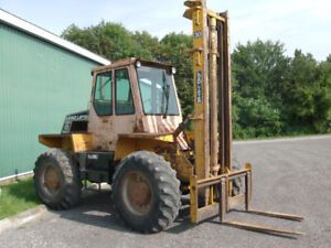 4X4 LOAD LIFTER !  4 WHEEL STEER  ! 3 STAGE  30 FT LIFT 6000 LB