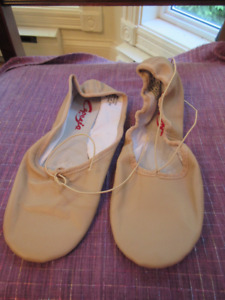 Ladies Capezio Leather Ballet Slippers - Size 10  New.